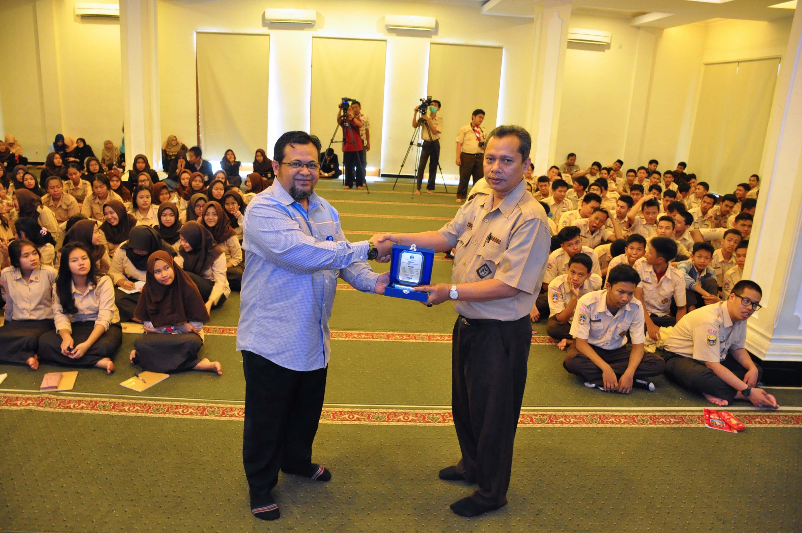 Peringati  Hari Jantung & Kesehatan Jiwa Sedunia, Di SMK Diponegoro