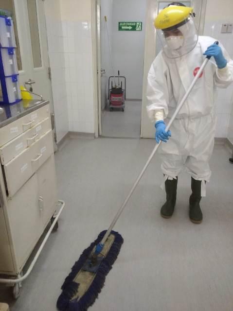 Kisah Cleaning Service Bertugas di Ruang Covid-19
