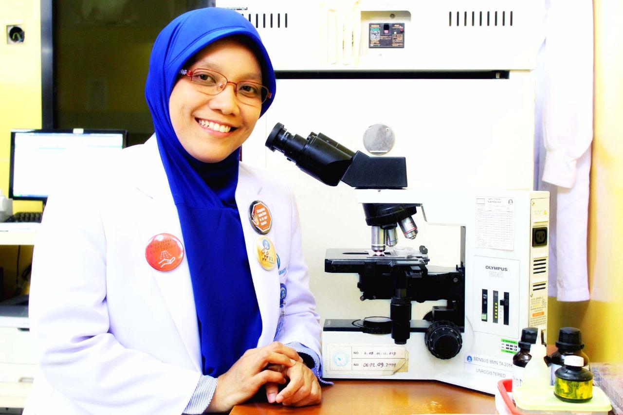 Dr. Cahyarini Sp.MK Ketua Komite Pencegahan & Pengendalian Infeksi RS